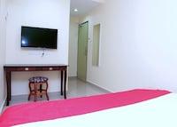 OYO 44054 Holiday Mansion Inn
