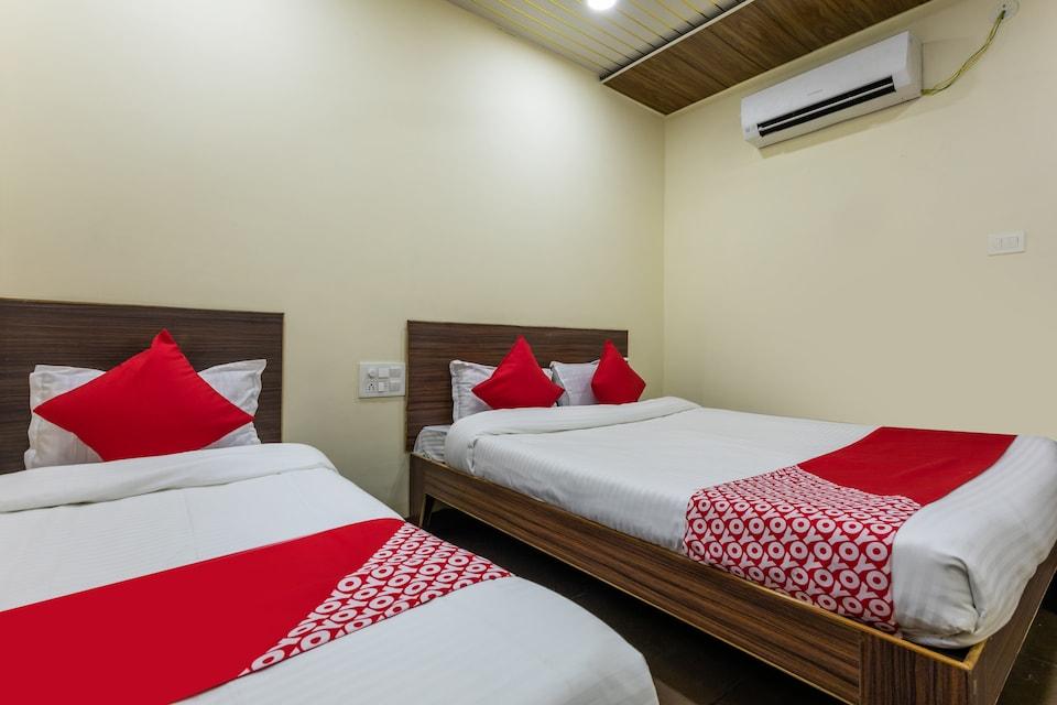 OYO 47033 Hotel Krishna