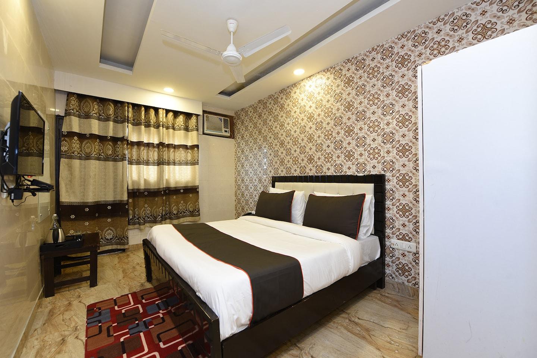 Collection O 47080 Near Mangla Apartments -1