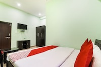 OYO 47085 Hotel Rainbow