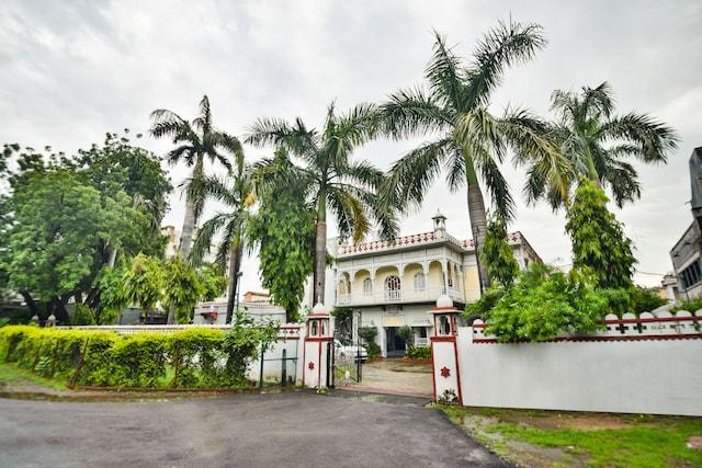 OYO 47097 Hotel Raj Kesar Deluxe