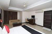 Capital O 11145 Hotel Aura
