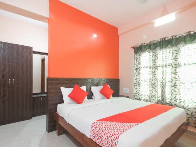 OYO 47129 Chandrashri Residency