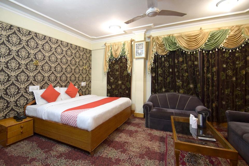 OYO Flagship 4694 Hotel City Plaza, Dalgate Srinagar, Srinagar