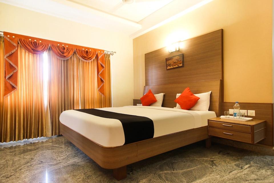 Capital O 47232 Sri Balaji Hotels