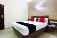 Capital O 47232 Sri Balaji Hotels Deluxe