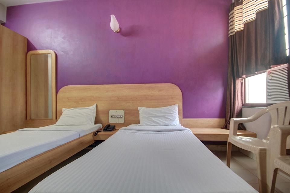 SPOT ON 47279 Hotel Anmol
