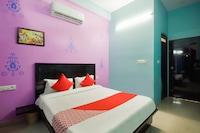 OYO 47302 Hotel Rajmahal
