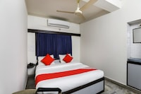 OYO 47323 Hotel Capital Saver