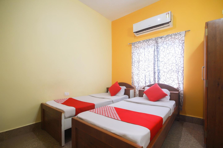 OYO 47380 Hotel Royal Palace -1