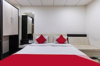 Capital O 47403 Hotel Manjeet