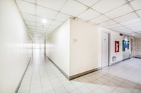 OYO 239 Tayuman Commercial Center