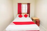 OYO 240 Country Artist Hotel