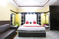 OYO 47527 Hotel Royal Palace