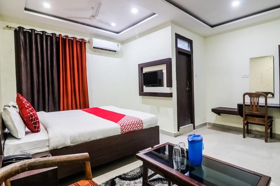 OYO 47542 Hotel J K
