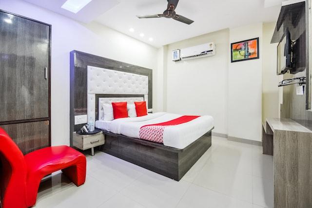 OYO 47559 Hotel Mannat