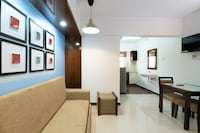 OYO Home 47566 Comfortable Stay Near Airport