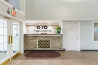 OYO Townhouse Tulsa Airport & Fairgrounds