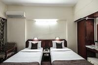 OYO 4724 Hotel Anchor