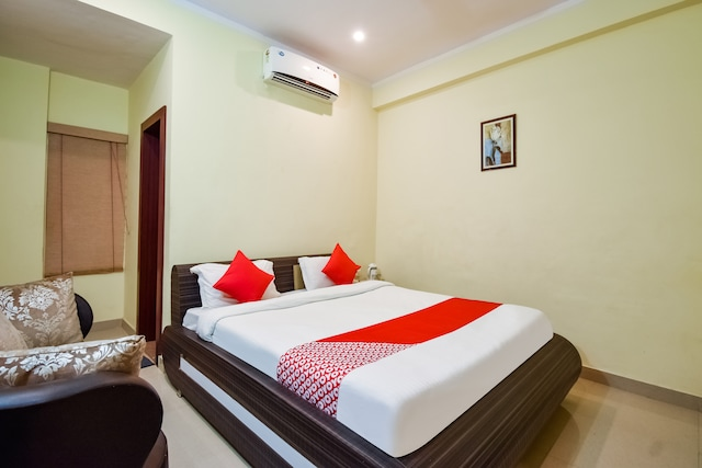 OYO 47592 Satyam Residency