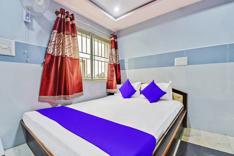 SPOT ON 47596 Gayatri Comforts