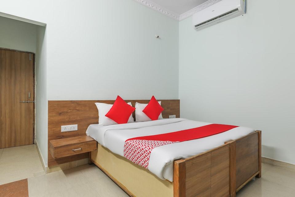 OYO 47603 Hotel Sandalwood Vibes, MP Nagar Bhopal, Bhopal