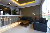 OYO 44089 Anggerik Garden Hotel