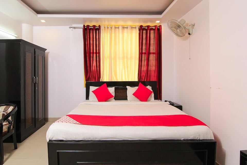 OYO 4731 Hotel Surya Continental