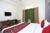 OYO 4734 Hotel Sapphire