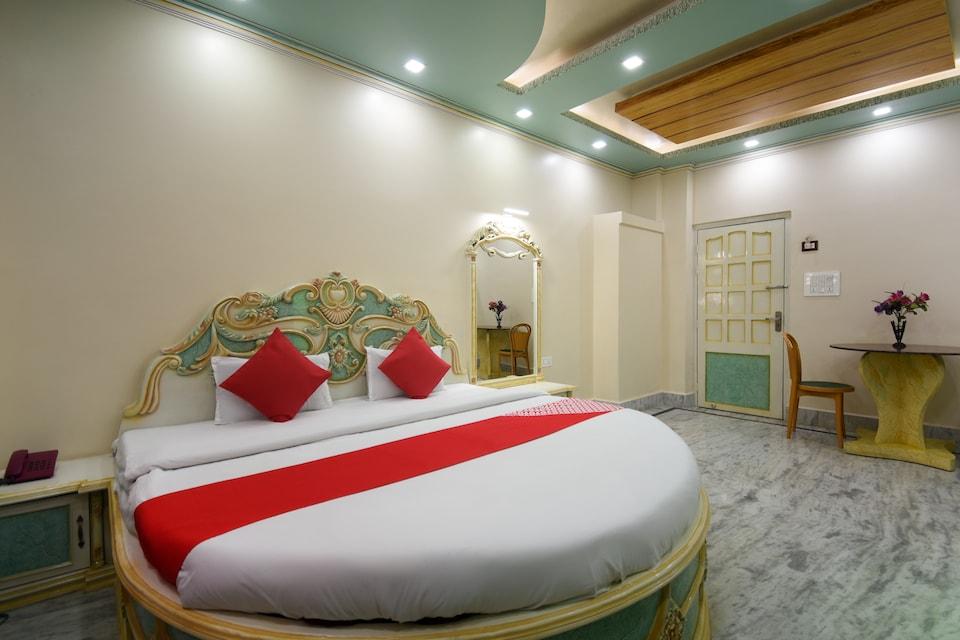 OYO 47719 Hotel Priyadarshini