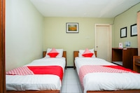 OYO 1346 Sinergi Hotel Gresik