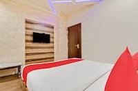 OYO 47777 Hotel Laxminarayan