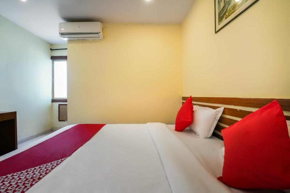 OYO 47785 Hotel Pariwar Inn, Nampally-II, Hyderabad
