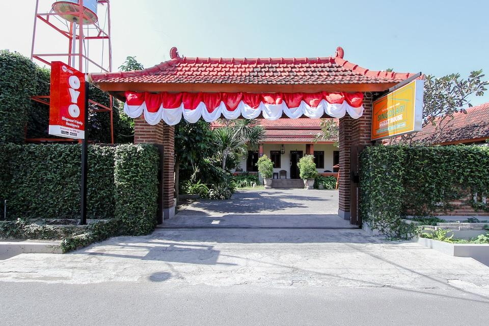 OYO 1361 Singosari Family Residence