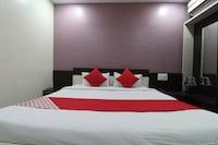 OYO 47855 Shri Sai Niwara Lodge