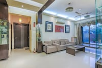 OYO Home 47863 Luxurious Stay Bandra East