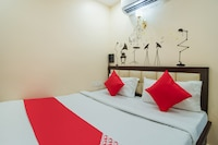 OYO 47918 Hotel Shree Shivam