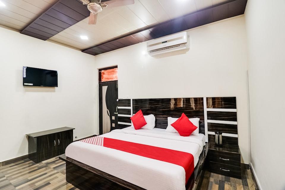 OYO 48044 Thakur Brothers Hotel