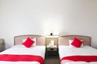 OYO 44422 Hotel & Renta Car 660