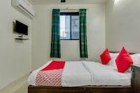 OYO 48062 Hotel Vijay Saver