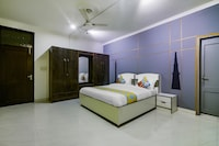 OYO 48085 Exotic Stay Rajouri Garden