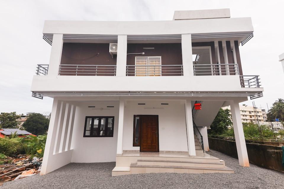 OYO Home 48089 Sidhik Apartments 4br