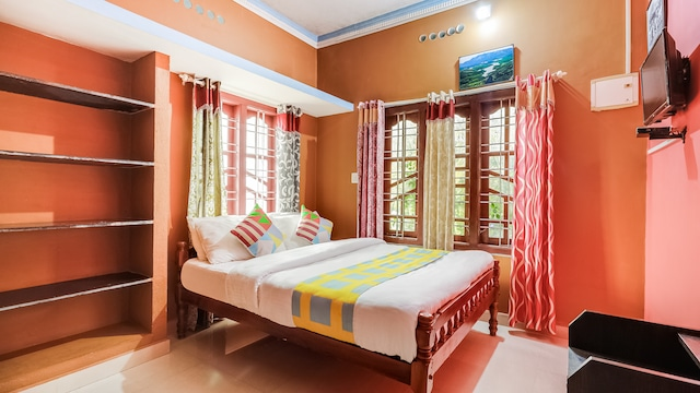 OYO Home 48093 Pavithra Homestay
