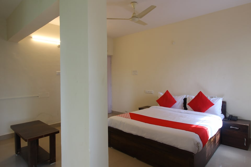 OYO 48139 United Star Hotel Balewadi High Street