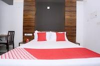 OYO 48265 Ambalath Homes Deluxe