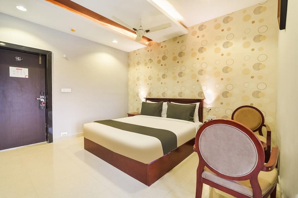 Collection O 48267 Sri 7 Inn Gooty Rd