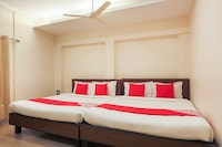 OYO 48277 Royal Kings Guest House  Deluxe