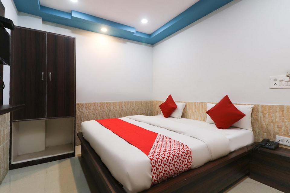 OYO 48323 Hotel Dwarkadhish