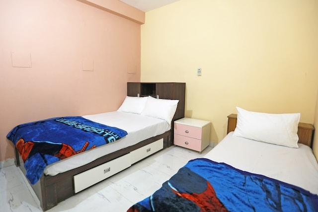 SPOT ON 48329 Dee 9 Residency
