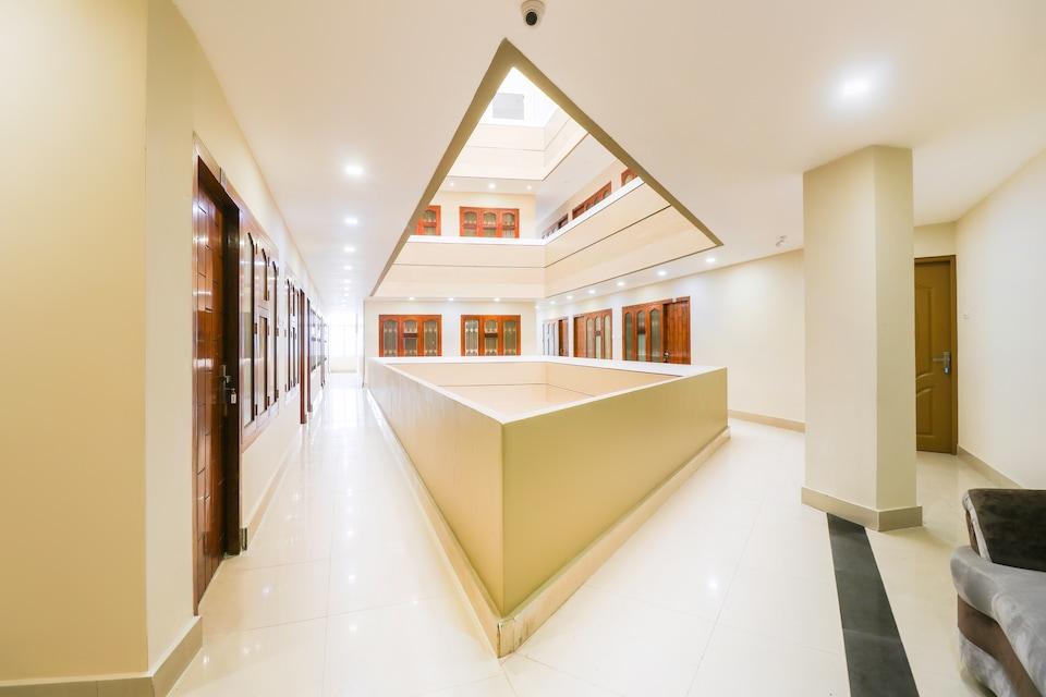 Capital O 48338 Darwesh Residency, Calicut Railway Station, Calicut
